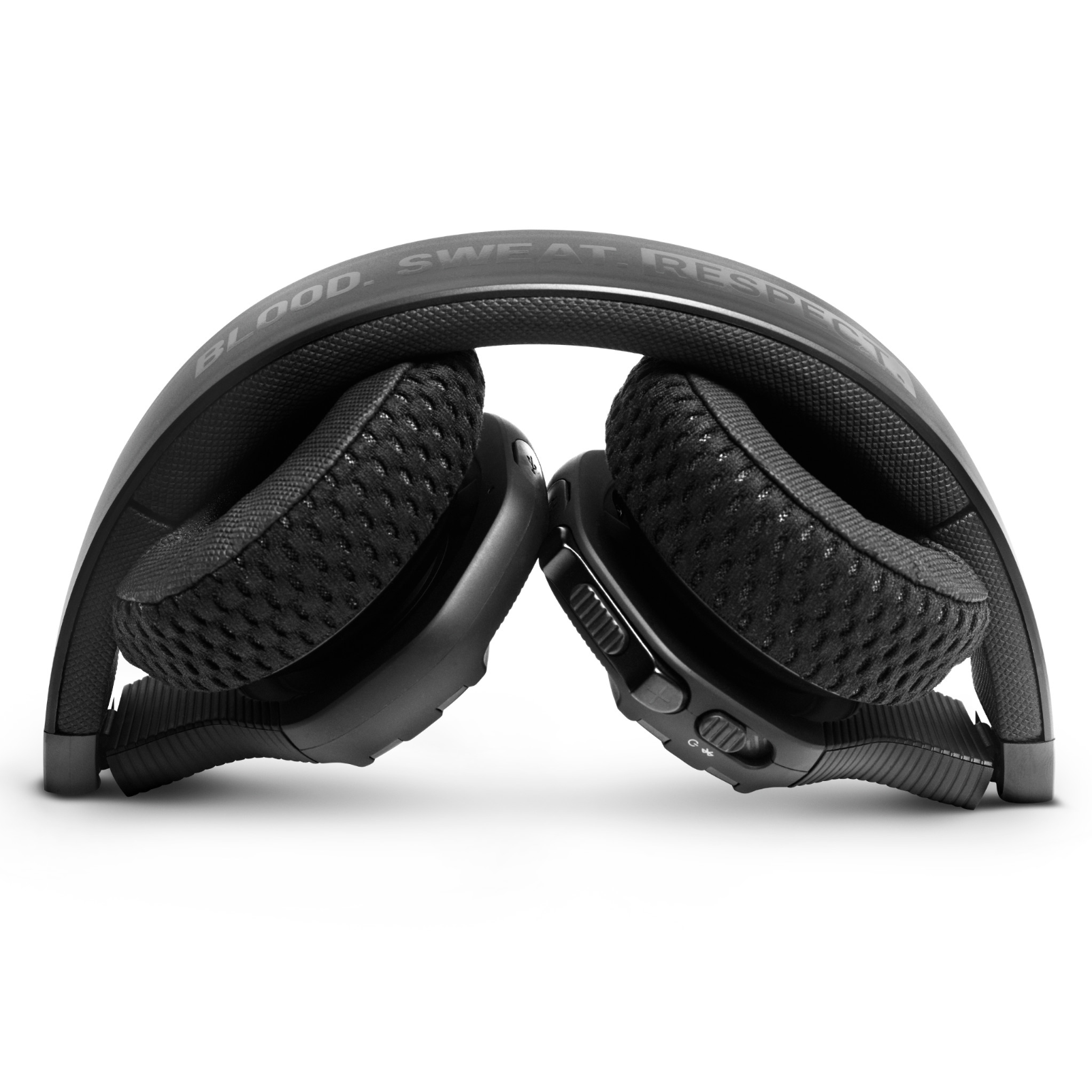 UA Sport Wireless Train Project Rock – Engineered by JBL - Black - On-ear sport Headphones - Detailshot 2