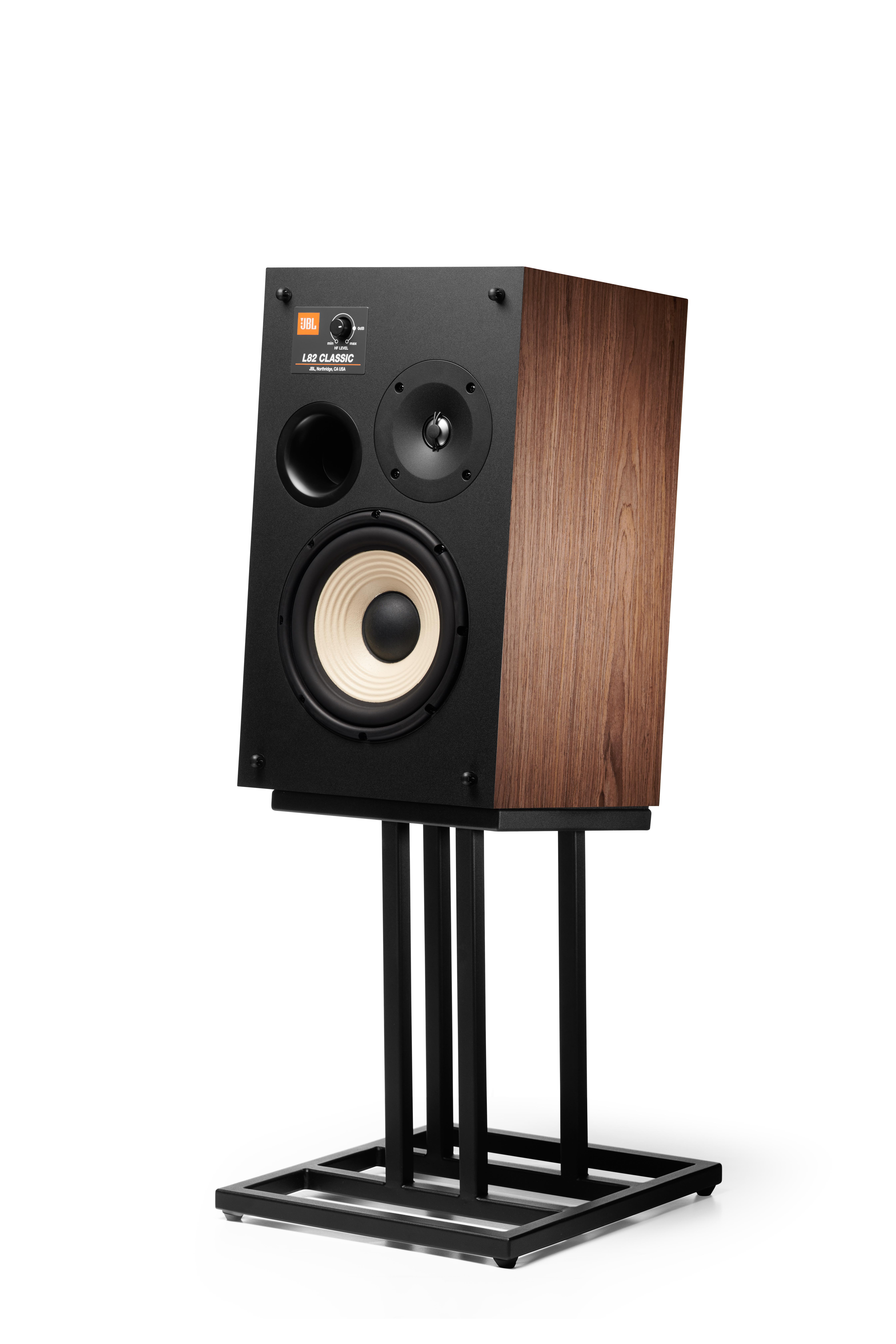 "L82 Classic - Black - 8"" (200mm) 2-way Bookshelf Loudspeaker - Detailshot 3"