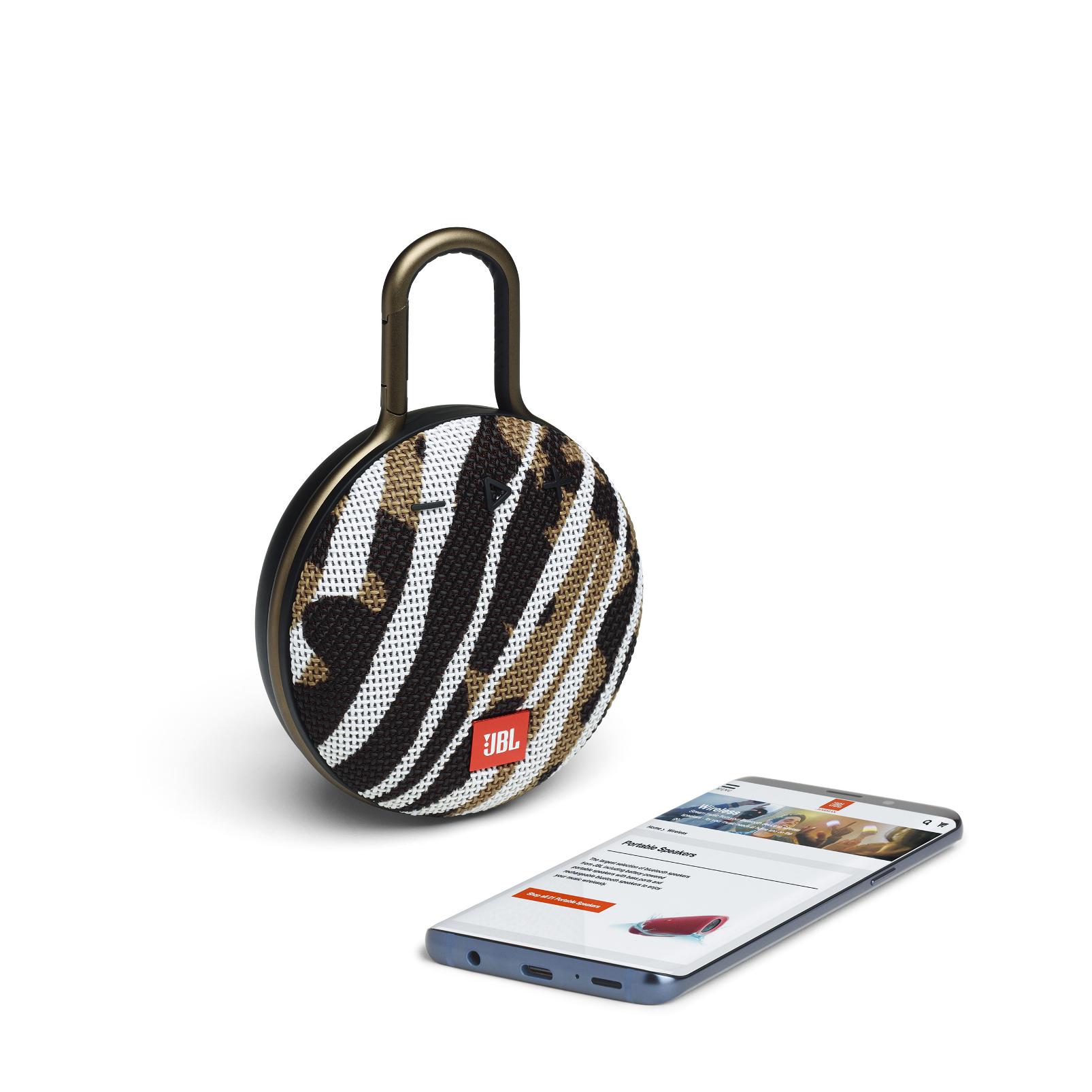 JBL CLIP 3 - BlackWhite/Brown Camo - Portable Bluetooth® speaker - Detailshot 1
